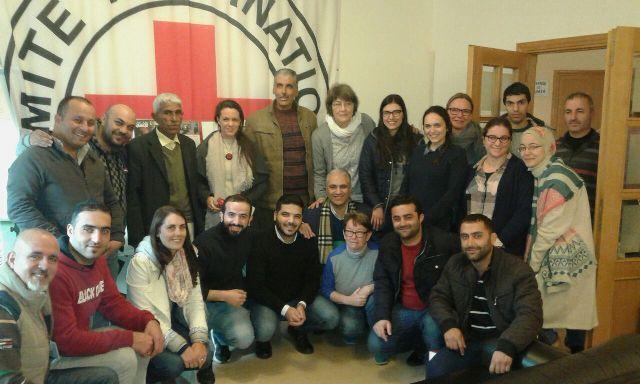 اللجان الشعبية لمنظمة التحرير الفلسطينيةتشارك الصليب الأحمر الدولي باحتفال تكريمي في طرابلس.