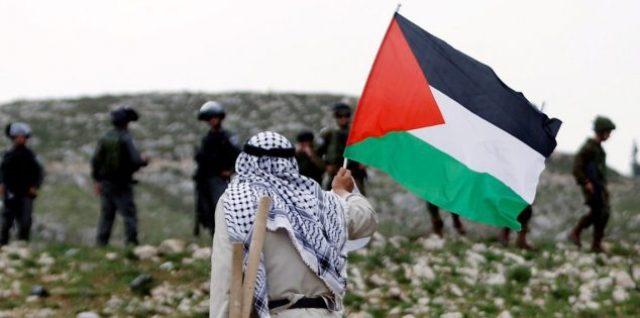 يولد الفلسطيني شهيداً ويعيش في فلسطين ولها حتى الشهادة