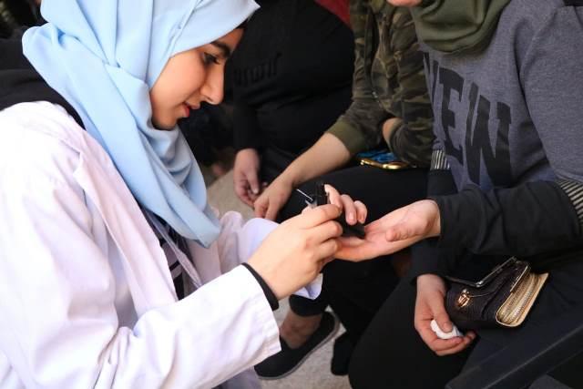 لجان المرأة الشعبية الفلسطينية في منطقة صيدا تقيم ندوة صحية في مخيم عين الحلوة