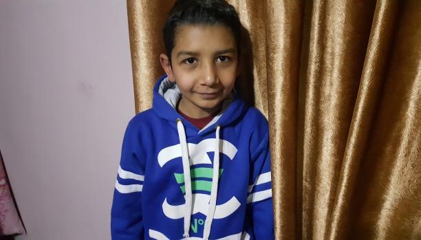 هادي... طفل لاجئ يكره الاقتتال الفلسطيني