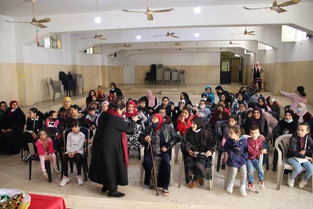 لجان المرأة الشعبية الفلسطينية في منطقة صيدا تحتفي بالأم والطفل
