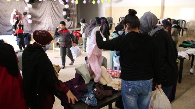 لجان المرأة الشعبية الفلسطينية في منطقة صيدا أقامت معرضها الثاني المجاني للالبسة الجديده والمستعملة
