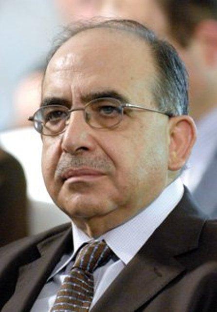 منيمنة يطلع قادة الفصائل الفلسطينية في لبنان على خطة تأمين اللقاحات للاجئين الفلسطينيين