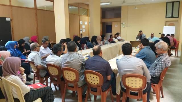 طاولة حوار في مخيم عين الحلوة حول حق العمل