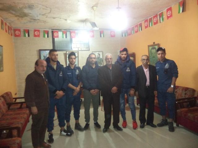 وفد من الدفاع المدني الفلسطيني يزور مكتب الشعبية في مخيم عين الحلوة