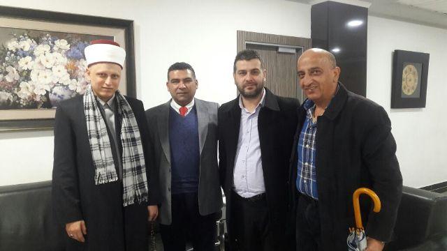 عضو القيادة المركزيةفي الحزب العربي الاشتراكي يرافقه أعضاء قيادة الشمال في الحزب  يجولون في طرابلس