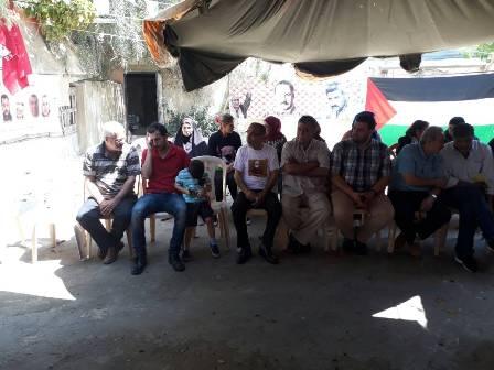 الشعبية في صيدا تفتتح خيمة الاعتصام تضامنًا مع الأسرى المضربين عن الطعام
