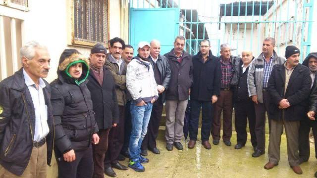 المعارك الشعبية المطلبية مستمرة- إغلاق مكتب مدير الأونروا في مخيم نهر البارد
