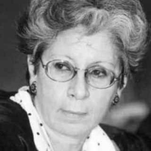 رحيل الناقدة الأدبية المناضلة د. أمينة رشيد