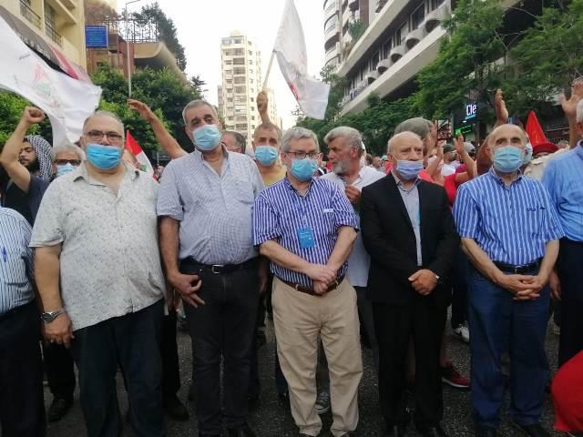 الشعبية تشارك في مسيرة انطلاقة المقاومة  الوطنية
