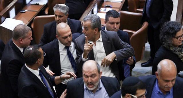 """إسرائيل تُخرج """"العرب"""" من التاريخ.. اعلان """"الدولة القومية"""" يلغي فلسطين وشعبها- طلال سلمان"""