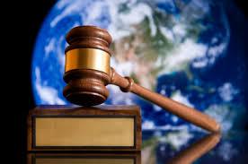 إذ ترعى إسرائيل القانون الدولي