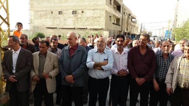 الجبهة الشعبيه تشارك القيادة العامة بوضع إكليل من الزهور على النصب التذكاري للشهداء في مخيم البارد