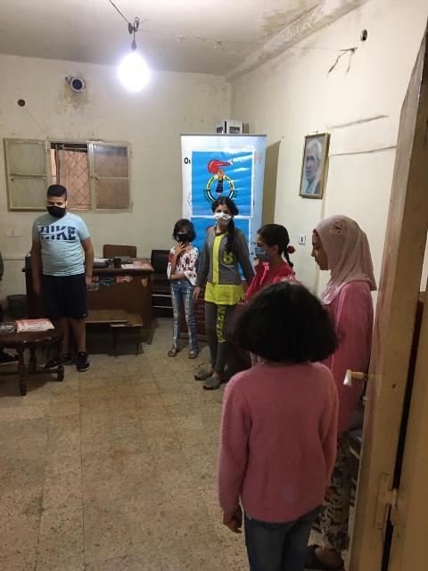 منظمة الشبيبة الفلسطينية ولجنة العمل الاجتماعي توزعان قرطاسية على طلاب المدارس