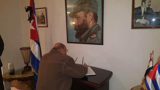 دائرة العلاقات السياسية لمركزية الجبهة الشعبية لتحرير فلسطين قدمت التعازي في دمشق برحيل القائد الثوري الكبير فيديل كاسترو