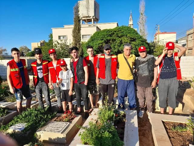 منظمة الشبيبة واللجان العمالية تنظف المقابر في مخيم نهر البارد
