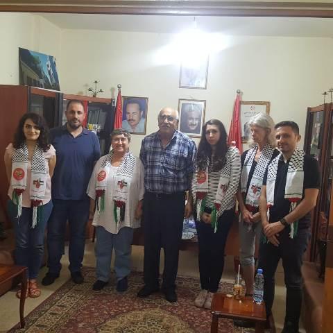 وفد من الحزب اليساري الأوروبي يزور مكتب الشعبية في بيروت
