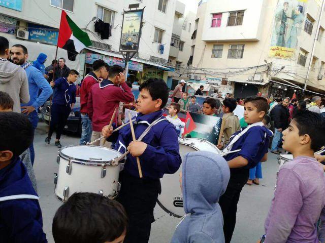 وقفات تضامنية ومسيرات في مخيمات لبنان بمناسبة ذكرى يوم الأرض 42