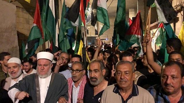مسيرة حاشدة في مخيم المية ومية إحياء لذكرى النكبة السبعين