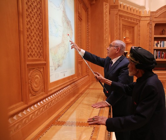 الشعبية: زيارة نتنياهو إلى عُمان تظهر مرحلة الفجور العلني في العلاقات التطبيعية مع الكيان الصهيوني