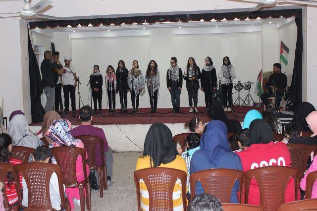 منظمة الشبيبة الفلسطينية ومؤسسة الأطفال تحتفلان بعيد الأم في مخيم البداوي