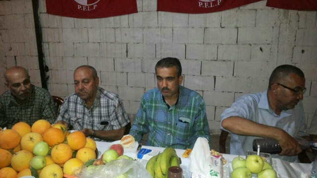 الشعبية تلتقي فاعليات مخيم البص