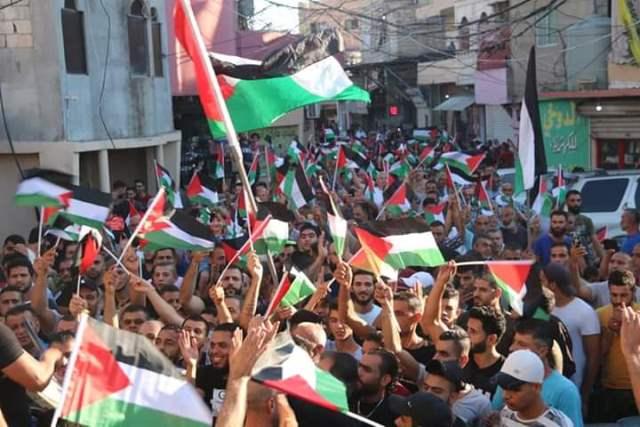 الشعبية تشارك بالتظاهرات التي عمت مخيمات لبنان مساء اليوم الأربعاء