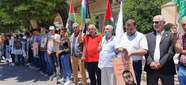 وقفة تضامنية في دمشق مع الأسرى الفلسطينيين والعرب في السجون الصهيونية