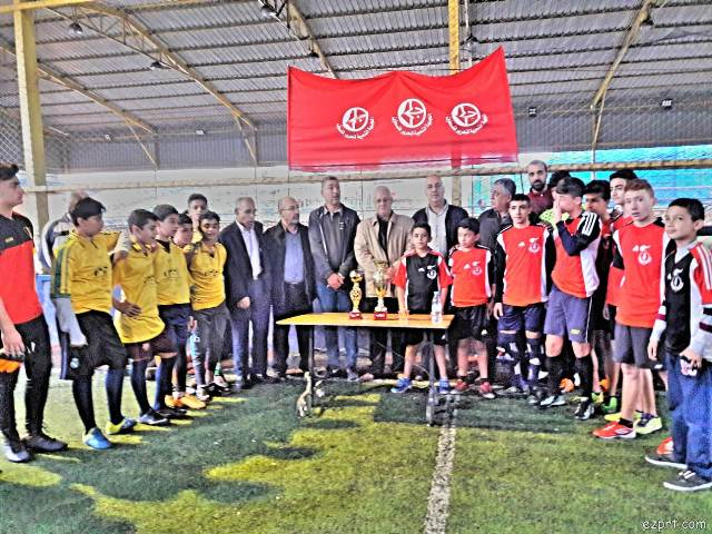 منظمة الشبيبة الفلسطينية في منطقة صيدا تقيم دورة كرة قدم للناشئين