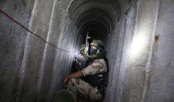 عدد من الشهداء جراء استهداف نفق للمقاومة شرق خانيونس