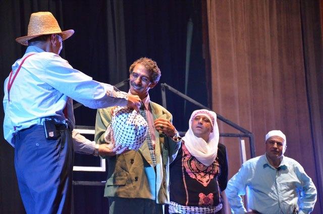 'البؤجة': مسرحية وطنية تحاكي النكبة.. والإصرار على العودة رغم المعاناة والانتظار