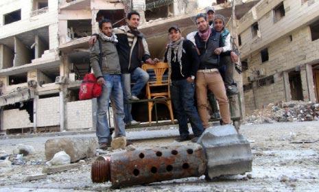 خمسة شقوق في حائط - نضال عبد العال