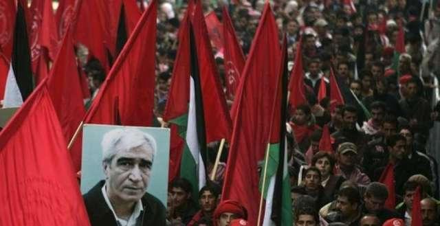 الشعبيّة تطالب الرئيس عباس بعدم المشاركة في جنازة مجرم الحرب