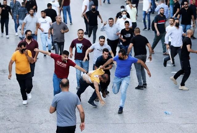 الجبهة الشعبيّة تدين بأشد العبارات قمع السلطة للمتظاهرين في رام الله