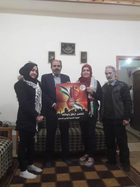الجبهة الشعبية لتحرير فلسطين تزور أسر شهدائها في بيروت