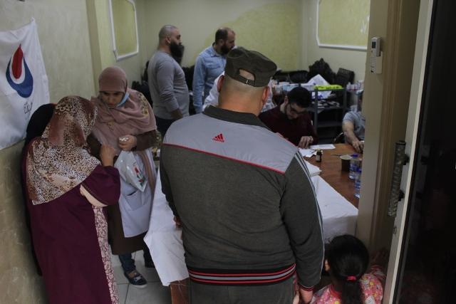 يوم صحي مجاني في عيادات جمعية الهلال الأحمر الفلسطيني في مخيم الرشيدية