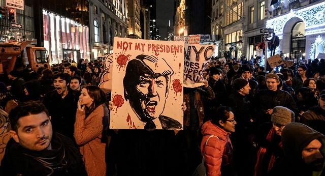 ادّعاءات واشنطن باتت مكشوفة الشعبية تُعبّر عن تضامنها مع الشعب الأمريكي في مواجهة العنصرية