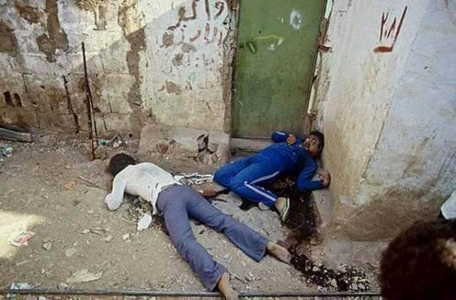 يوم قتلوا أمي بفأس- انتصار الدّنّان