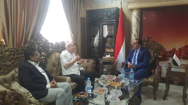 الشعبية في دمشق تلتقي السفير اليمني