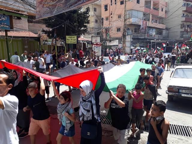 غضب جماهيري  وإضراب عام  في مخيمات لبنان رفضًا للقرار الجائر بحق الشعب الفلسطيني
