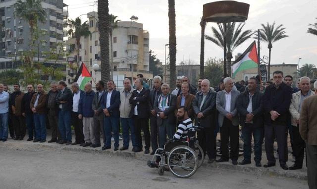 الشعبية تشارك في وقفة التحية للشهيد عمر أبو ليلى في ساحة الشهداء بصيدا