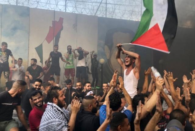 لجنة متابعة صيداوية لإقرار الحقوق المدنية: احتجاجات الفلسطينيين تتواصل في مخيمات صيدا- آمال خليل