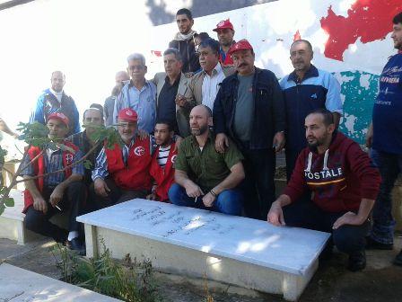 رابطة الشهيد وفيق منصور العمالية تنظف مقبرة الشهداء في عين الحلوة