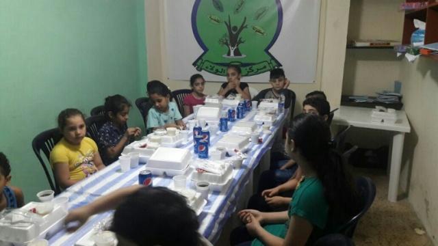 مركز الولاء للتنمية يقيم إفطارًا للأطفال
