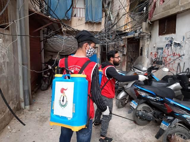 منظمة الشبيبة الفلسطينية تقوم بتعقيم شوارع شاتيلا