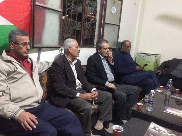 الشعبية  في صور تلتقي حزب الشعب الفلسطيني