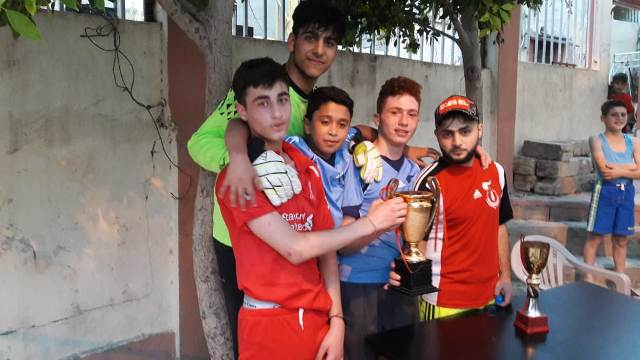 منظمة الشبيبة الفلسطينية في مخيم عين الحلوة تقيم دورة كرة قدم