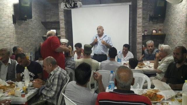 جمعية أحلام لاجئ ومركز الولاء للتنمية يكرمان أبو وسيم حزينة وعصام عثمان وأبو عماد رعد