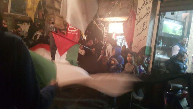 مسيرة حاشدة في مخيم شاتيلا احتفاء بعملية الدهس البطولية