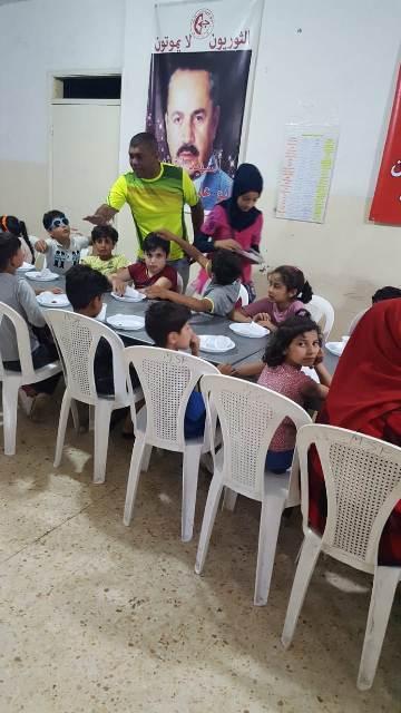 إفطار رمضاني في مخيم شاتيلا